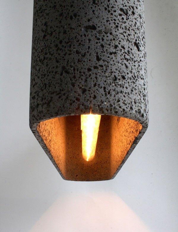 Лампа из остывшей лавы