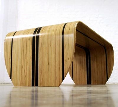 Стол из доски для сёрфинга
