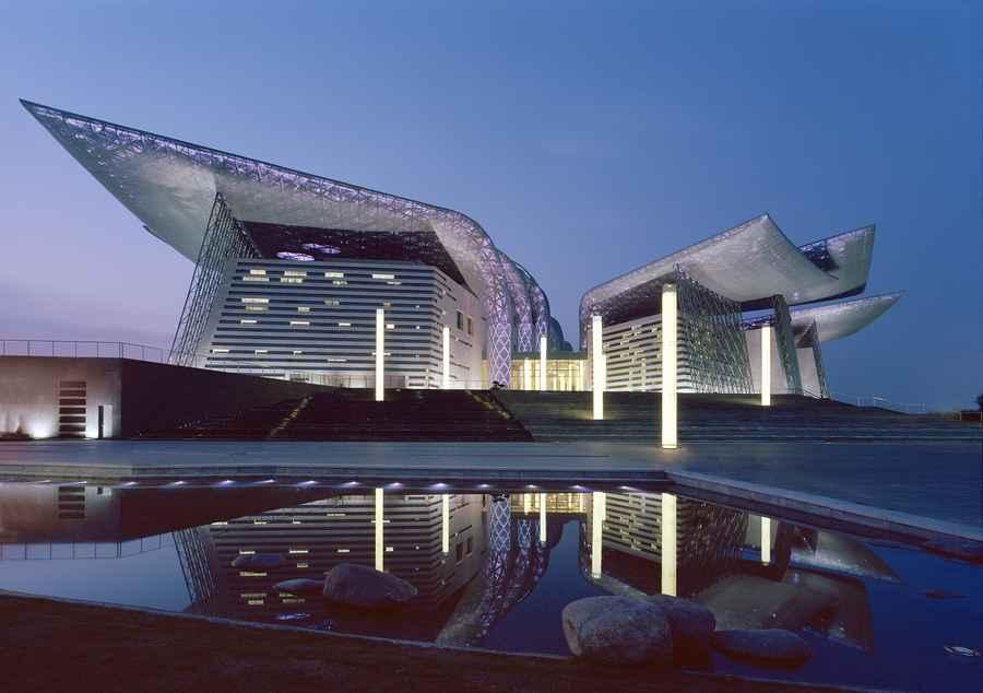 Здание-бабочка в Китае
