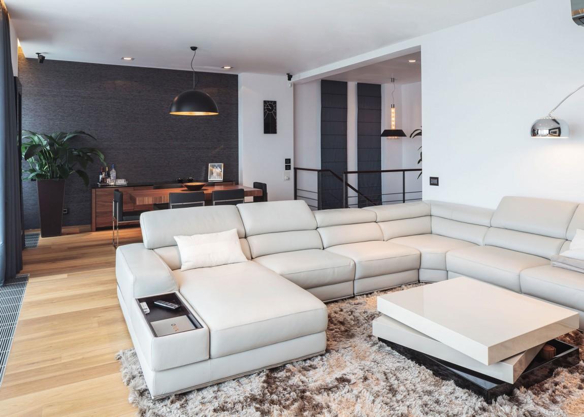 Двухэтажная квартира в Бухаресте