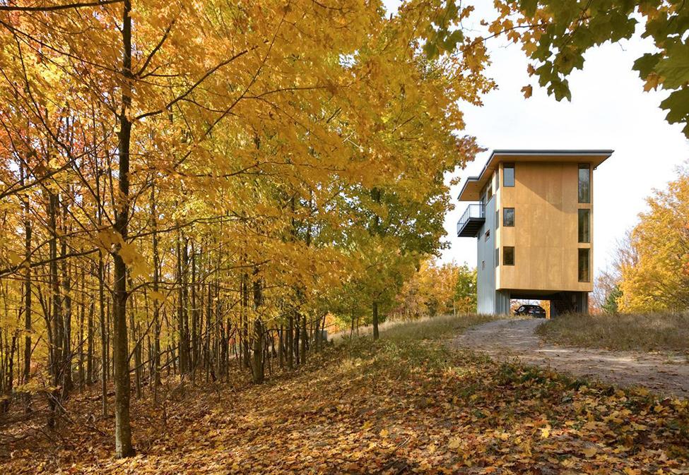 Дом-башня на берегу озера Мичиган