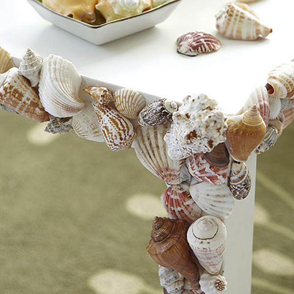 Стол с декором своими руками